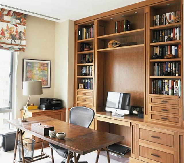 Desks Kellogg Collection