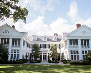 Duke Mansion - Distribution